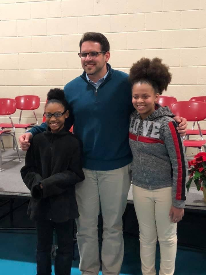 K'Rheya and Kendall pictured with Mayor Scott Conger
